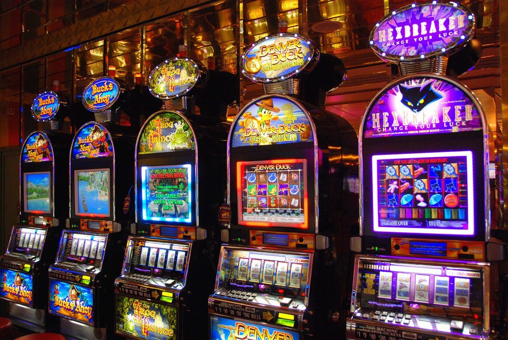 Sep 06, · According to the Nevada Gaming Control Board (NGCB), casinos in the Silver State won $ billion from slot players during Of that amount, $ percent – or a hair more than half – was claimed by the penny slots, while multi-denominational machines took in $ billion.